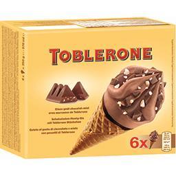 Glaces cônes goût chocolat miel avec morceaux