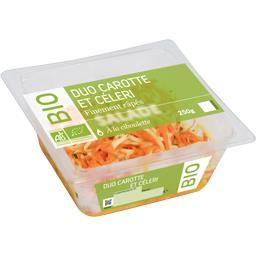 Duo carotte et céleri finement râpés à la ciboulette...