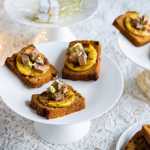 Toasts de Mini Pain d'Épices au foie gras et à la mangue