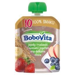 Jagody i truskawki z owocami i jogurtem oraz delikatne zboża po 10 miesiącu