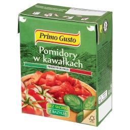 Pomidory w kawałkach bez skórki z bazylią