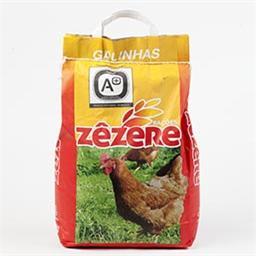 Ração granulada para galinhas