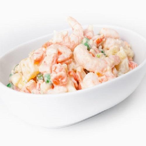 Salada russa de camarão